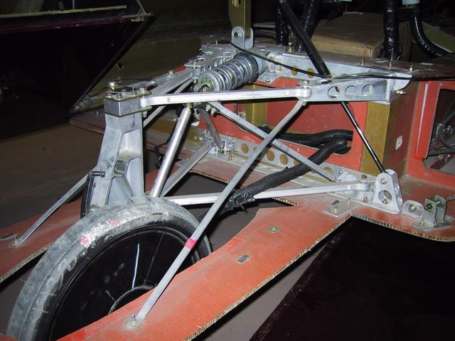 Aurora 3 > Rear Suspension