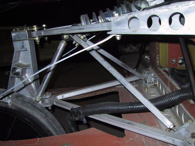 Aurora 3 > Rear Suspension